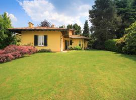 Villa signorile vicino al lago Maggiore, villa in Taino
