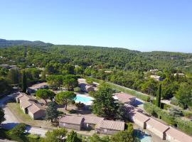 Le Moulin à Vent, resort village in La Roque-sur-Pernes