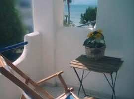 Seaside studio, hotel in Eretria