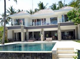 Beachfront Villa Black Pearl, hotel in Padangbai