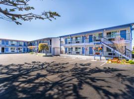 SureStay Hotel by Best Western Seaside Monterey, hotel near Monterey Peninsula Airport - MRY, Seaside