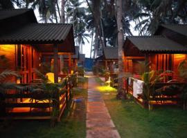 Royal Wood Beach Resort, hotel in Palolem