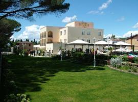 Hotel Holiday Sul Lago, hotel in Bolsena