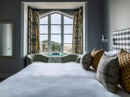 Crown and Castle, hotel in Orford