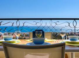 Confortable 3 pieces avec superbe vue mer, hotel in Nice