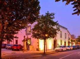 Melo Alvim Suites & Apartments - member of Unlock Hotels, apartment in Viana do Castelo