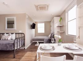 Superior Apartel Sleeps 4, vacation rental in San Diego