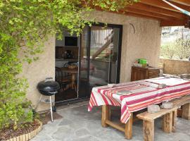 Oustal, apartment in Savines