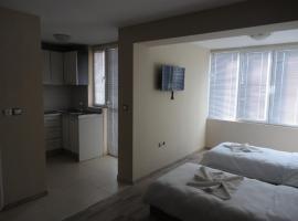 Casa Luba Sunny beach, guest house in Sunny Beach