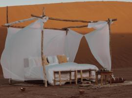 Umnya Dune Camp, luxury tent in Mhamid