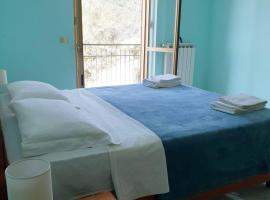 Marea Retreat Apartments, pet-friendly hotel in Marina di Camerota