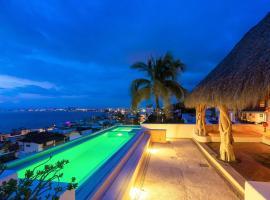 Luna Liquida, отель в городе Пуэрто-Вальярта
