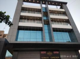 The Crown Business Hotel Bhayandar, hotel in Thane