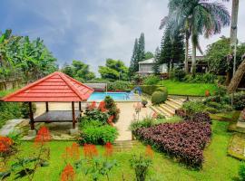 Terrace Villa Golf, hotel with pools in Puncak