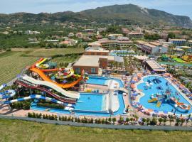 Caretta Beach Hotel & Waterpark, hotel a Kalamákion