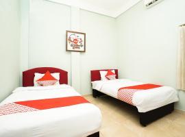 OYO 475 Kartika Syariah Homestay, hotel in Surabaya