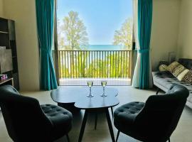 By The Sea-Ferringhi Fully Seaview Suite 6-10ppl 槟城全海景度假屋 5 Star, apartment in Batu Ferringhi