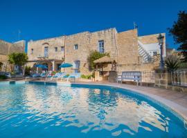 Village Knights B&B, hotel near Hagar Qim, Żebbuġ