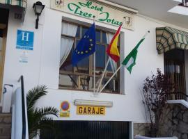 Hotel Tres Jotas Conil, hotel in Conil de la Frontera