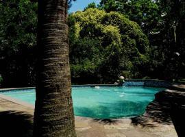 Africa's Eden Guesthouse, hotel in Pietermaritzburg