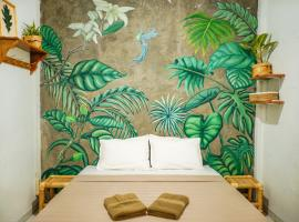 Snooze, guest house in Yogyakarta
