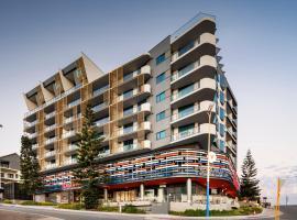 Ramada by Wyndham VetroBlu Scarborough Beach, hotel u Perthu