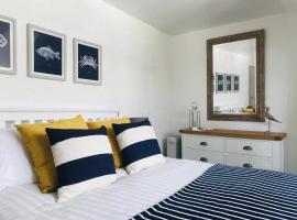 Zoe's Place & Nancie's Place, hotel near Greenway, Dartmouth
