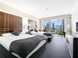 Private Apt In the Heart of Surfers Paradise, hotel in Gold Coast
