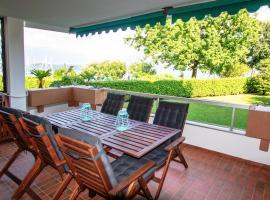 Sunstyle Apartment - Brissago, hotel in Brissago