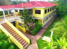 Sunshine Hotel, hotel in Little Corn Island