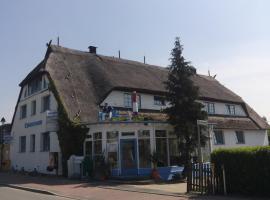 Landhotel Ostseetraum & Fewo, Hotel in Warnemünde