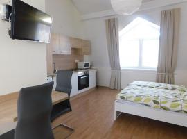 Mona apartman, hotel poblíž významného místa Festetics Castle, Keszthely