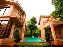 Seven Sands Villas, hotel with pools in Lonavala