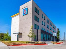 Motel 6 Austin Airport, hotel Disch-Falk Field - University of Texas környékén Austinban