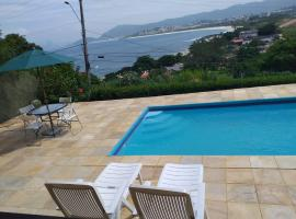 Itaipu Beach House, hotel with pools in Niterói