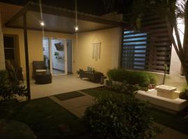 Runway Apt 108, hotell nära Augusto Cesar Sandino internationella flygplats - MGA,