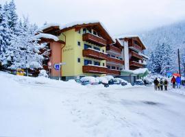 Hotel Bonapace ***S, hotel in Madonna di Campiglio