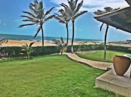 Casa de Praia, hotel with pools in Beberibe