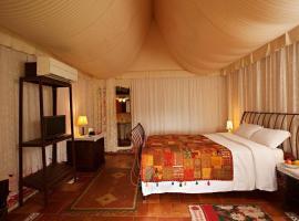 Grass Roots, luxury tent in Kalpetta