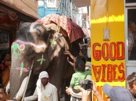 Good Vibes hostel, hotel near Kedar Ghat, Varanasi