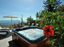 E Poi...Ravello, hotel with jacuzzis in Ravello
