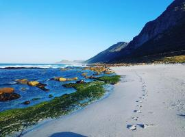 Scarborough Beach Accommodation, villa in Cape Town