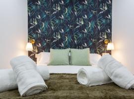 Apartamento Reina Isabel, hotel económico en Granada