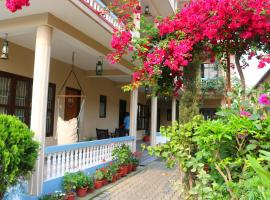Hotel Peacock- A Family Running Hotel, hôtel à Sauraha