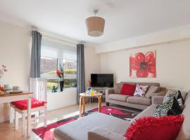 LOVE Apartment Easter Road, pet-friendly hotel in Edinburgh