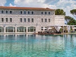 Terme di Saturnia Natural Spa & Golf Resort - The Leading Hotels of the World, golf hotel in Saturnia