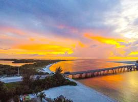 #808 Lovers Key Beach Club, serviced apartment in Fort Myers Beach