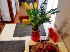 Garden of Eden – apartments in Verona, camera con cucina a Verona