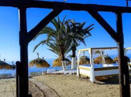 Puerto Banús relaxing apartment, wifi&pools&beach, lägenhet i Marbella