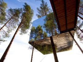 Treehotel, hotell nära Storforsen, Harads